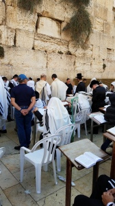 bfb161023-at-the-kotel