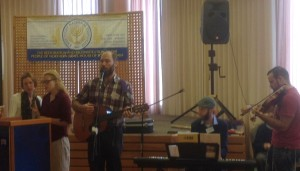 Andrew Hodkinson and an international team lead worship at the Congress.